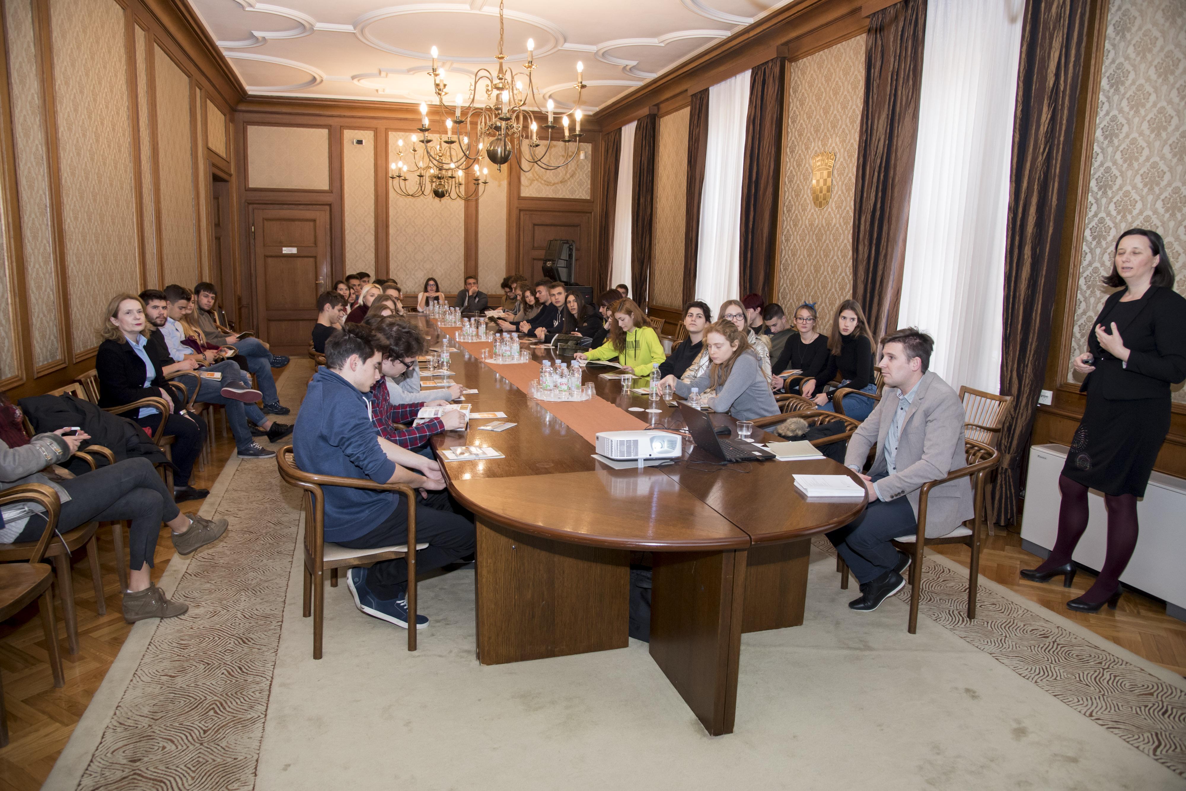 Sporazum o suradnji između FER-a i XV. gimnazije - XV